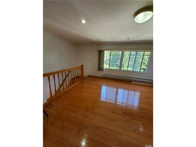 2 BR,  2.00 BTH 2 story style home in Little Neck
