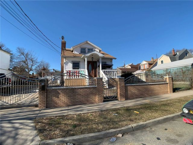 5 BR,  3.00 BTH  Cape style home in South Ozone Park