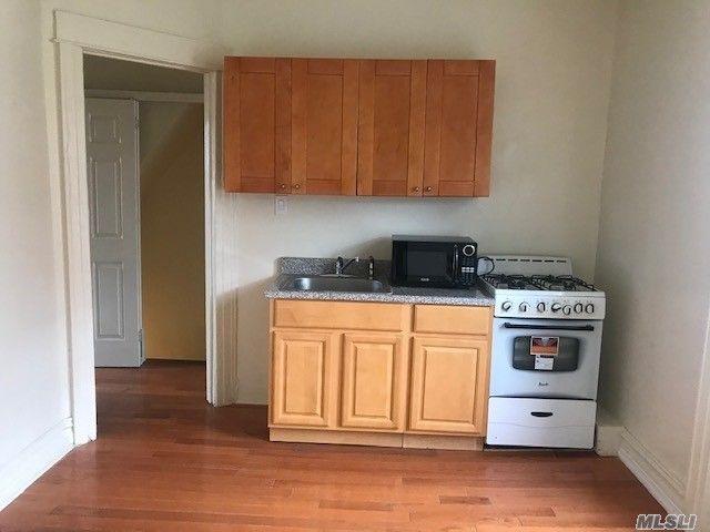 [Astoria Real Estate, listing number 3163340]
