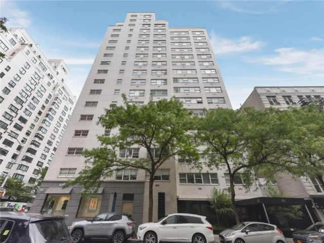 1 BR,  1.00 BTH High rise style home in New York