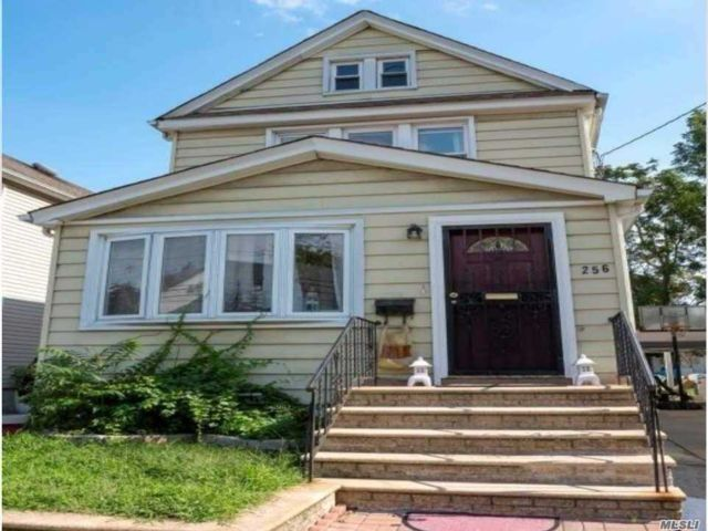 [Garden City Park Real Estate, listing number 3163469]