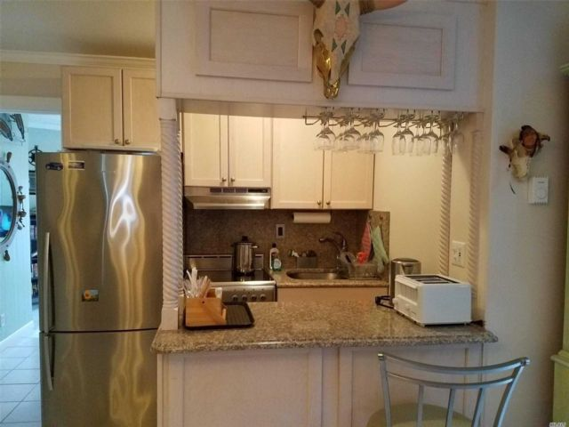 2 BR,  2.00 BTH Garden apartmen style home in Southold