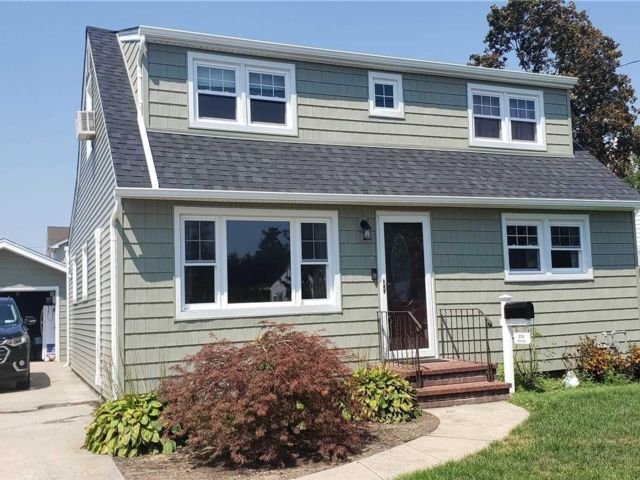 4 BR,  1.00 BTH Exp cape style home in Oceanside