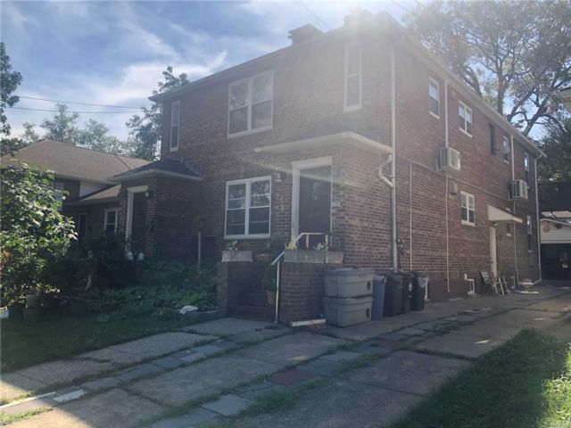 7 BR,  4.00 BTH 2 story style home in Flushing