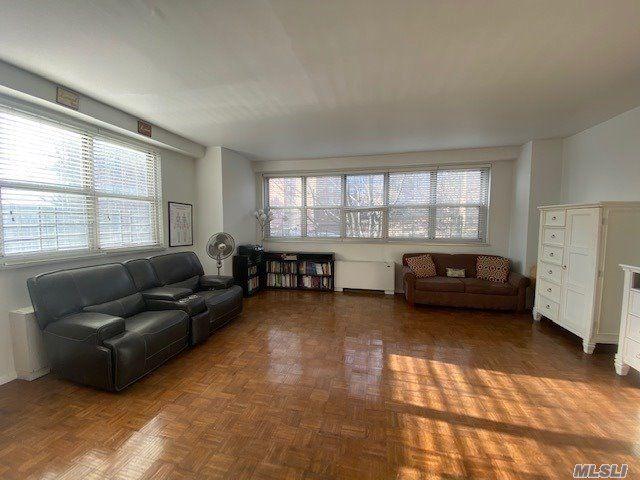 [Riverdale Real Estate, listing number 3163754]