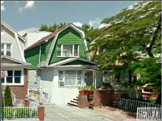 6 BR,  4.00 BTH  2 story style home in East Flatbush
