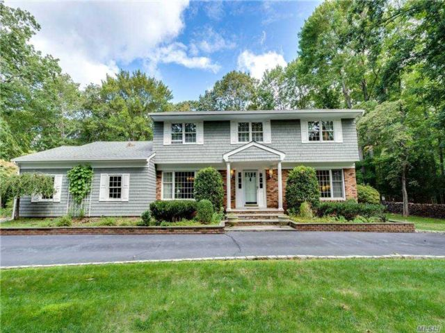 4 BR,  3.00 BTH Colonial style home in Nissequogue