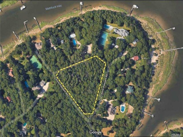 Lot <b>Size:</b> 380X390X340  Land style home in Mattituck