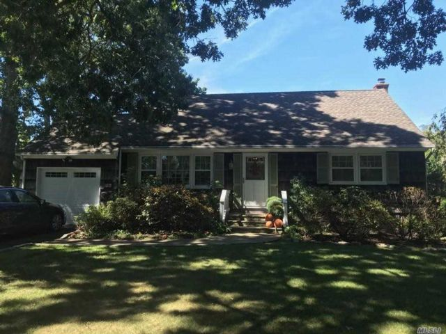 4 BR,  2.00 BTH Cape style home in St. James