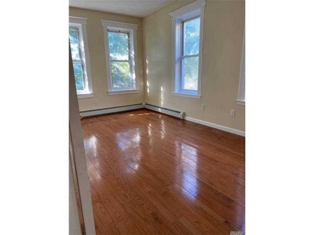 3 BR,  1.00 BTH  Apt in house style home in Astoria