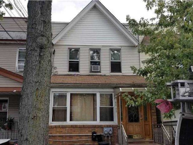 [Woodhaven Real Estate, listing number 3164373]