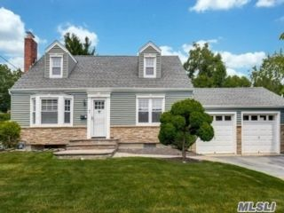 3 BR,  2.00 BTH Cape style home in Northport