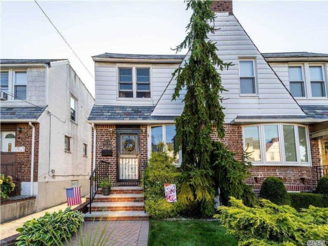 3 BR,  2.00 BTH Colonial style home in Middle Village