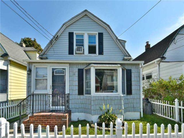 2 BR,  2.00 BTH  Colonial style home in Cedarhurst