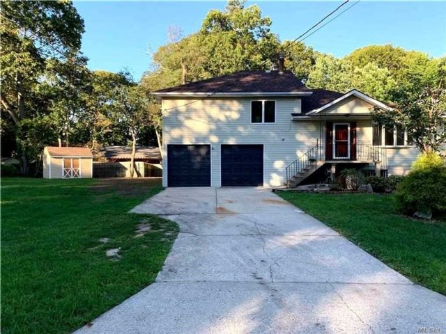 4 BR,  3.00 BTH Hi ranch style home in Southold