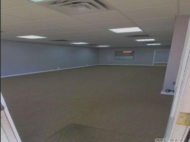 Studio,  0.00 BTH Commercial style home in Ozone Park