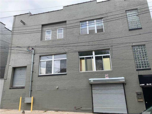 Studio,  0.00 BTH  Commercial style home in College Point