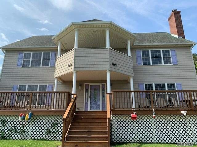 4 BR,  3.00 BTH  Colonial style home in Rocky Point