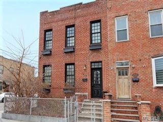5 BR,  2.00 BTH Duplex style home in Astoria