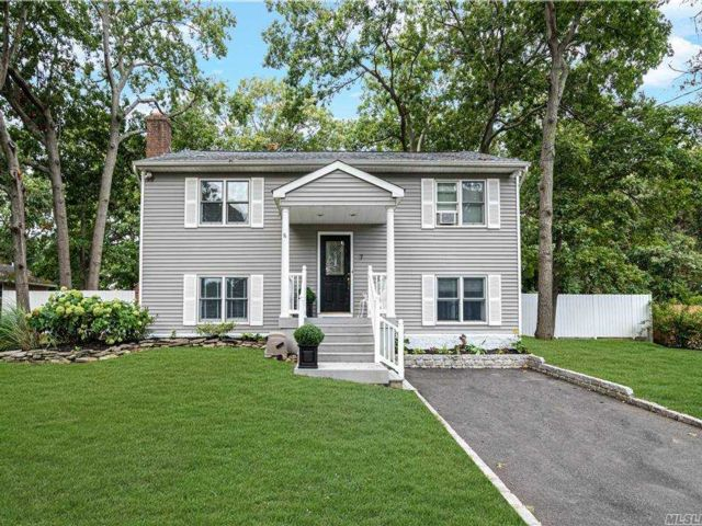 [Setauket Real Estate, listing number 3164810]