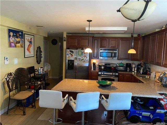 2 BR,  1.00 BTH Garden apartmen style home in Rockaway Park