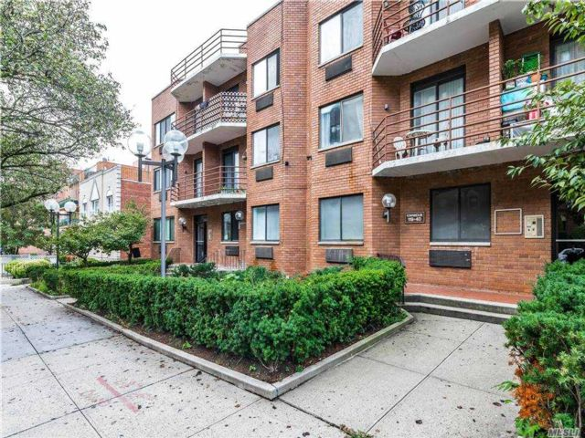 2 BR,  2.00 BTH Mid rise style home in Kew Gardens