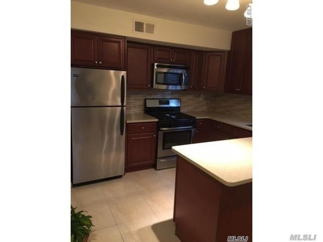 1 BR,  1.00 BTH  2 story style home in Howard Beach