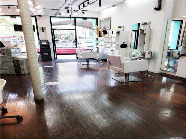 Studio,  0.00 BTH Commercial style home in Sunnyside