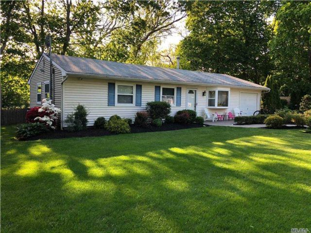 3 BR,  1.00 BTH  Ranch style home in Center Moriches