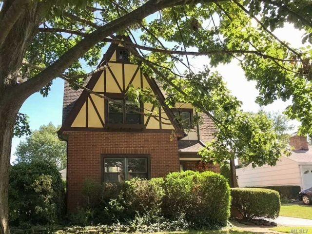 3 BR,  2.00 BTH Tudor style home in Garden City