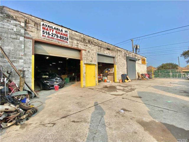 Studio,  0.00 BTH Commercial style home in Hempstead