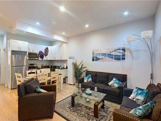 7 BR,  2.00 BTH Duplex style home in Cypress Hills