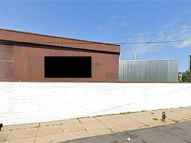 Studio,  0.00 BTH Commercial style home in East Elmhurst