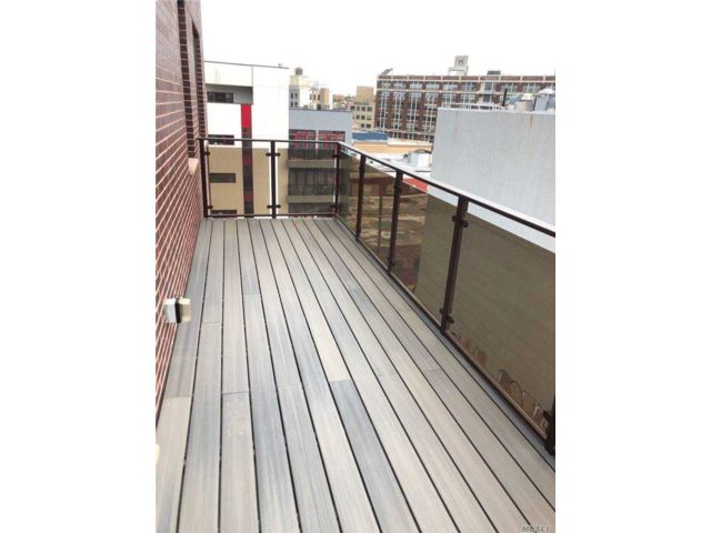 2 BR,  2.00 BTH  Other style home in Long Island City