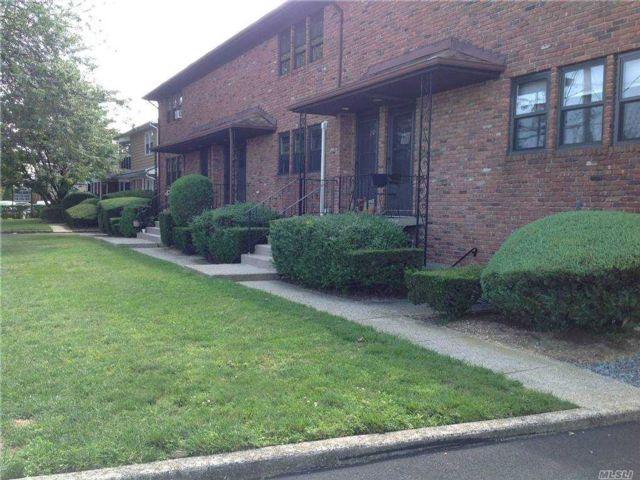 1 BR,  1.00 BTH Garden apartmen style home in Merrick