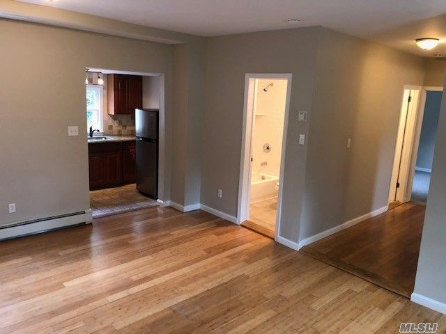 2 BR,  2.00 BTH  Apt in house style home in Babylon