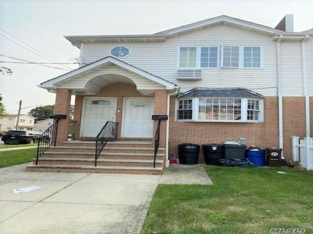 3 BR,  3.00 BTH Apt in house style home in Springfield Gardens