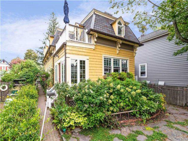 3 BR,  3.00 BTH Victorian style home in Sea Cliff