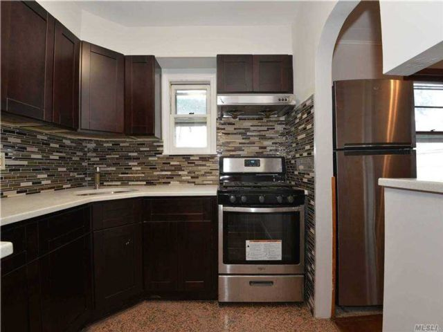 3 BR,  3.00 BTH 2 story style home in Queens Village
