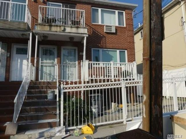 3 BR,  3.00 BTH  Share house style home in Ridgewood