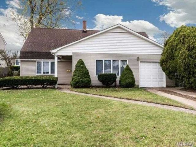 5 BR,  1.00 BTH Exp cape style home in Carle Place