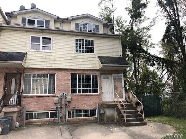 3 BR,  3.00 BTH Townhouse style home in Grant City