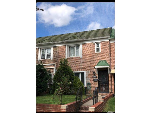 3 BR,  2.00 BTH 2 story style home in Middle Village