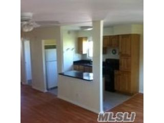 2 BR,  2.00 BTH Apt in bldg style home in Floral Park