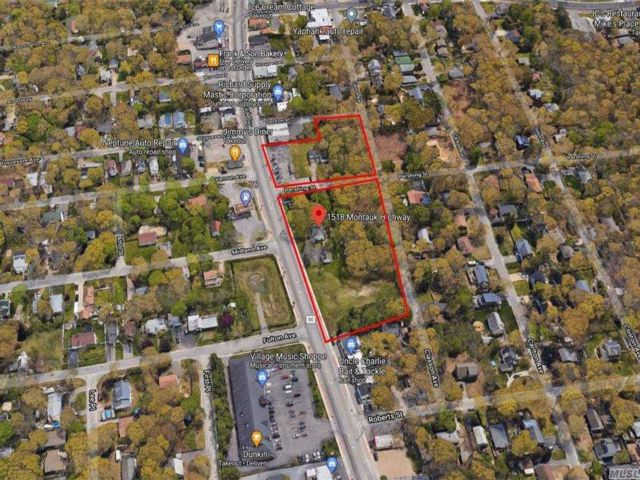 Studio,  0.00 BTH Commercial style home in Mastic