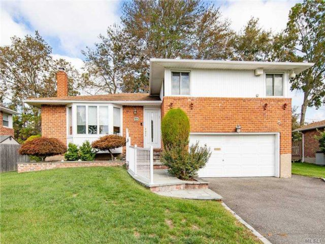 [Plainview Real Estate, listing number 3167047]