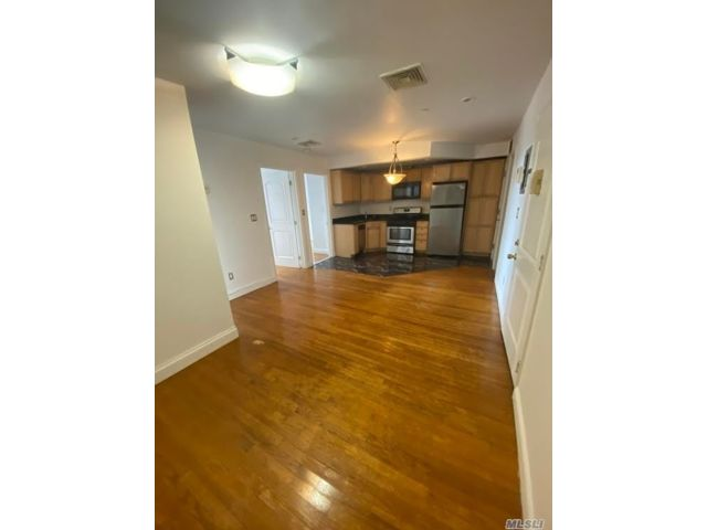 2 BR,  1.00 BTH Apt in house style home in Corona