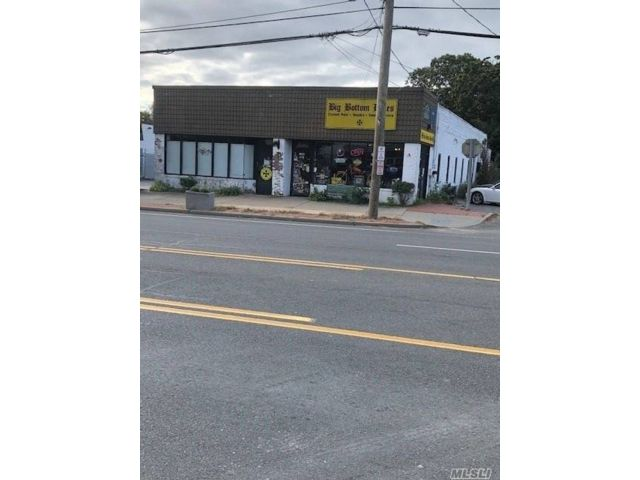 Studio,  0.00 BTH Commercial style home in Oakdale