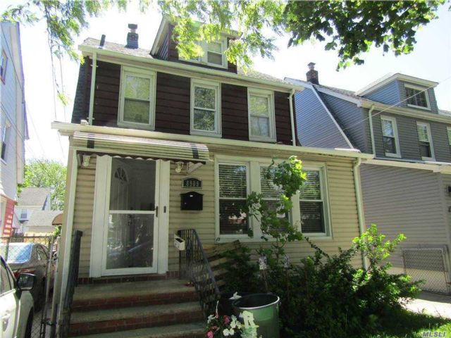 2 BR,  1.00 BTH  2 story style home in Bellerose