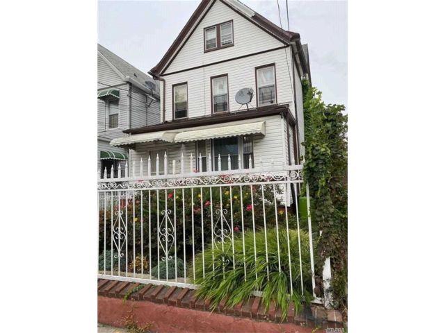 4 BR,  2.00 BTH Duplex style home in Richmond Hill